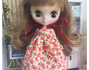 """Petite Blythe / Little Dal Outfit : """"Red and Blossoms Dress"""" (Dress)"""