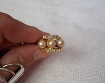 So Pretty Faux Pearl Ring-Adjustable-R605