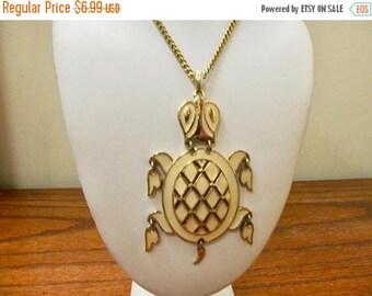 On Sale Vintage Enameled Movable Turtle Necklace Item K # 9