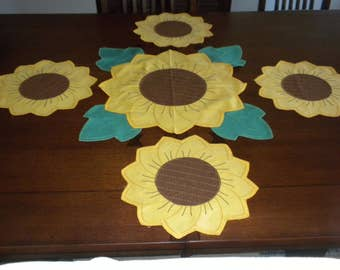 vintage sunflower table set placemats runner centerpiece homemade sunflower yellow green brown accents 5 pieces
