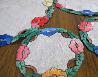 Antique table mats or doilies, hand applique, needlework, embroidery, linens, floral