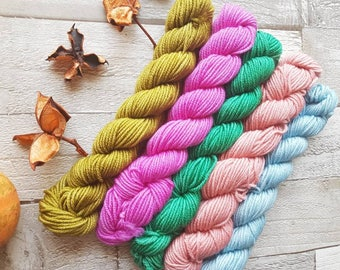 Mini Skein Set, hand dyed yarn, 5 x 20g skeins, hand dyed yarn, DK or 4ply or sparkle sock yarn, Roseberry Topping colourway, UK indie dyer.