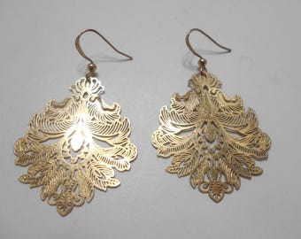 Reserved....Gorgeous Gold Tone Dangle Pierced Earrings (1699)