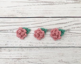 crocheted flower | flower appliqués | pink flowers | crochet flower motif | flower embellishment