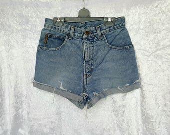 Womens DENIM ARMANI Jeans Shorts Short Jeans Womens Denim Shorts Giorgio Armani High Waisted Shorts Denim Size 28 Nr. 07