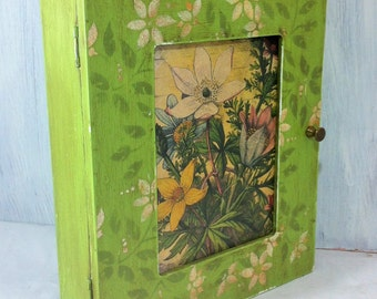 Green Key Box Cabinet, Vintage Floral Wall Mount Jewelry Storage Box, Cottage Chic Key Wall Mount Cabinet, Garden Greenery Key Storage Box
