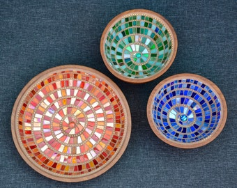 Set of three wood bowls with mosaic in green, blue, orange