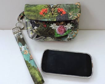 Cell phone pouch or clutch. in Country Art print. Stag wristlet. Clutch purse tartan