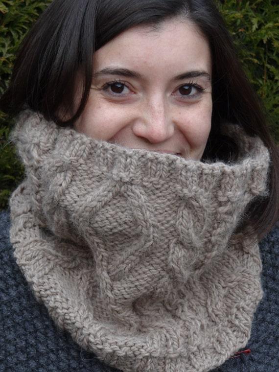 Women Celtic cowl  - Cable knit sowl - handknit aran snood - chunky aran cowl - warm cowl - winter accessory -Wool & Alpaca