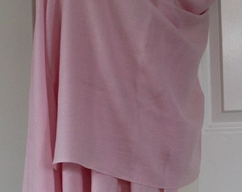 HOUSE of CASHMERE Soft Pink Pasmina       Beautiful item Valentines Gift