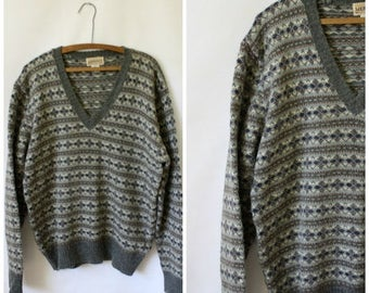 Sale Mens Sweater / Vintage Sweater / 1970's Sweater / Fair Isle Sweater / Nordic Gray Sweater S/M