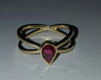 14k Yellow Gold Pear Cut Ruby Double Band Ring Size 6