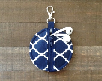 Circle Zip Earbud Pouch / Coin Purse - Navy Blue and White Quatrefoil
