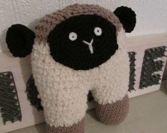 Crochet sheep with a twist