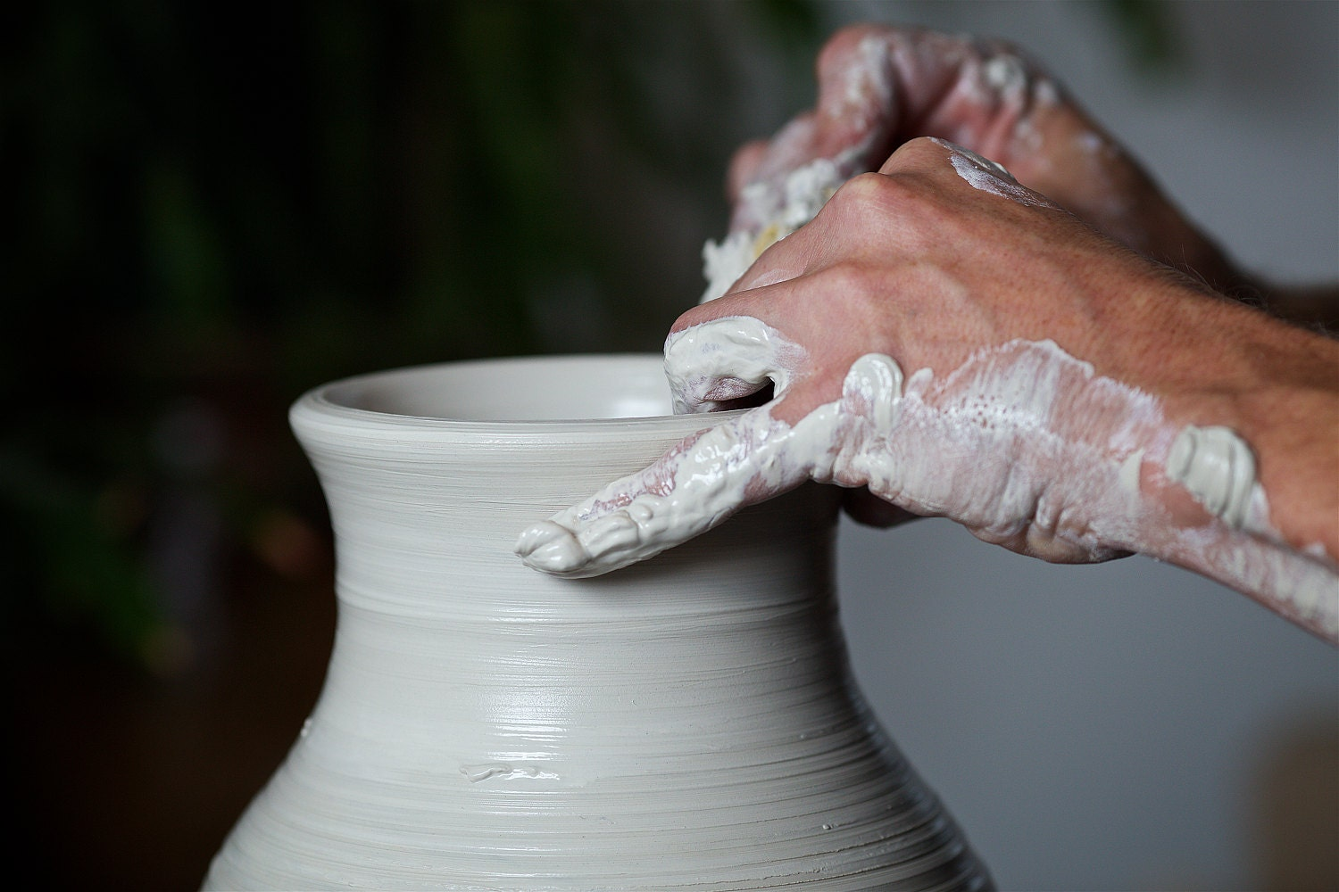 Wheelthrowing pottery