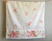 Vintage JC Penney Fashion Manor King Pillowacse, Vintage JC Penney Pink Flowers Pillowcase, Vintage Floral Pillow Case, Pink Roses Bedding