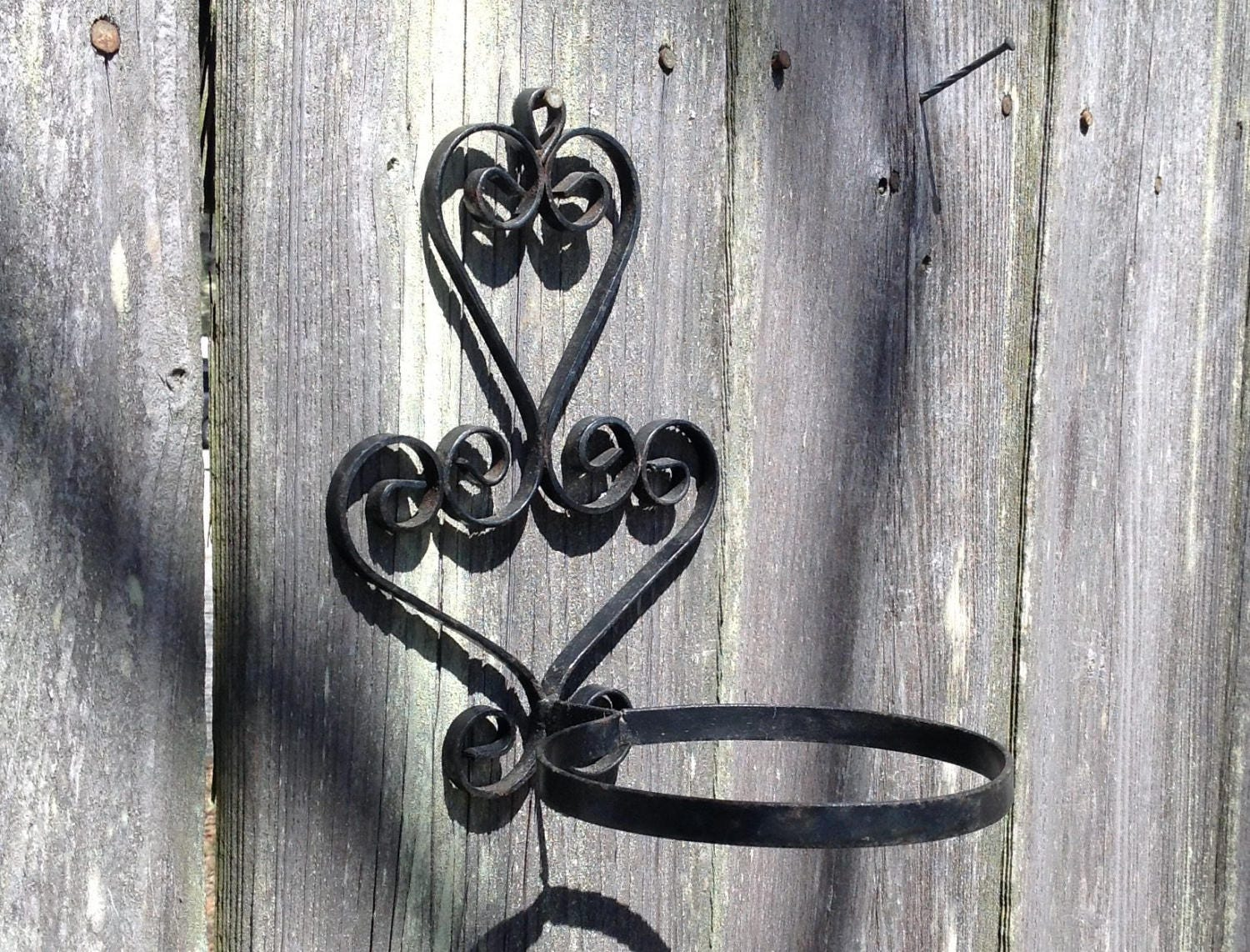wrought iron ring plant holder wall mounted planter flower pot. Black Bedroom Furniture Sets. Home Design Ideas
