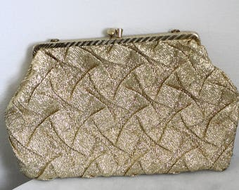 1960s gold scalloped clutch // gold clutch // vintage purse