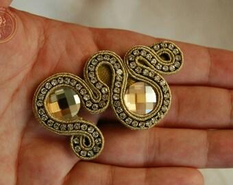 Gold soutache brooche