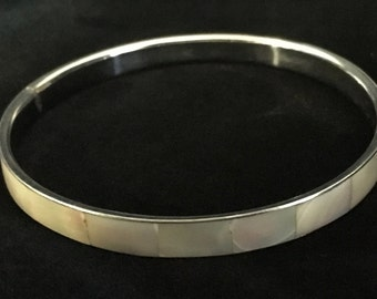 Vintage White Mother of Pearl Silver Tone Bangle (ABX1H)
