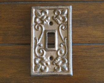 Light Switch Cover / Light Plate Cover / Cast Iron Metal Switchplate  / Aged Copper or Pick Color Wall Decor / Fleur de lis Vintage Style