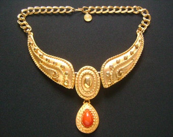 Gorgeous Vintage Etruscan Byzantine Style Rich Matte Textured Gold Tone& Dangle Teardrop Faux Red Coral Glass Cabochon Wing Designs Necklace