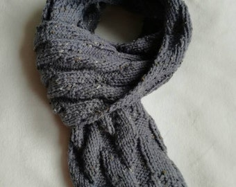 Grey wool scarf with diagonal leafy hand knitted pattern - tweed