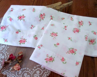 2 Vintage floral  pillowcases ,  linens , bedding  pair of pillowcases  rose pink pillowcases