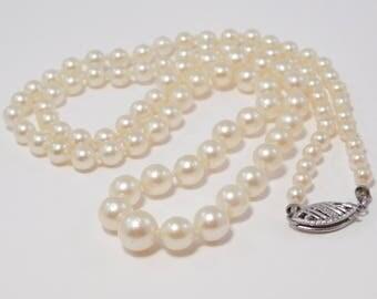 Elegant Strand Of Graduated Antique Cultured Pearls w/10K Filigree Clasp