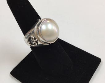 Vintage 925 Sterling Silver Women's Ring With Round White Pearl!!!!  Size 7