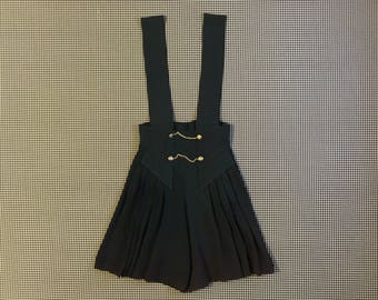 1990's, pleated, suspender, dress shorts, in dark, hunter green, Women's size 7