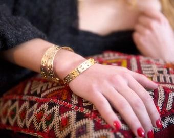 Bracelet ABRAXAS YUCATAN doré à l'or fin ethnique motifs azteques jonc