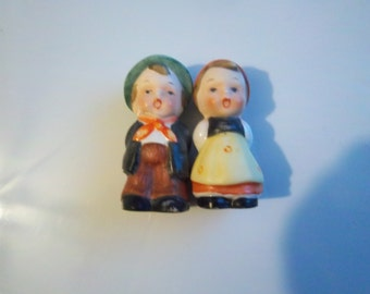 Vintage miniature salt and pepper set