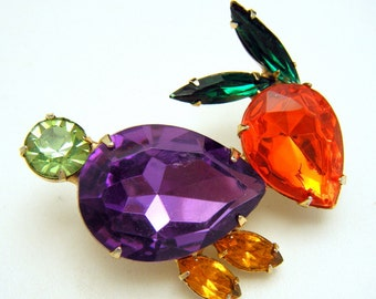 Vintage Fun Colorful Rhinestone Bunny Rabbit Brooch 1960s Navettes Glass Belly