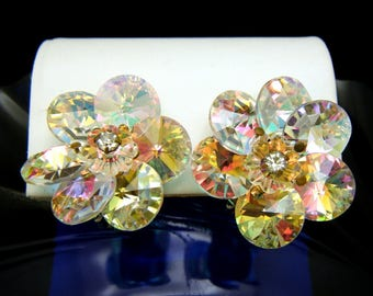 Gorgeous Vintage Glowing Rivoli Margarita Crystal Rhinestone Clip Earrings