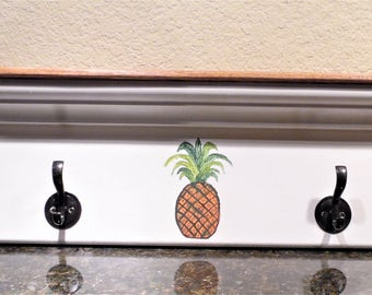 White and Oak Hat and Coat Rack with Four Hooks, Hand Painted Hospitality Pineapple, Home Decor, Storage, Towel Rack, Jewelry Holder