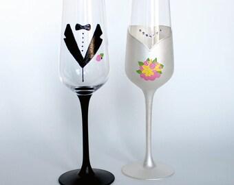 Bride Groom Customizable Champagne Flutes, Hand Painted, Mr & Mrs, Wedding Decor, Bouquet, Wedding Dress, Tuxedo, Gift, Custom, Keepsake