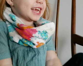 Baby scarf, Toddler Scarf, Infant Scarf Infinity Scarf, Flannel Infinity Scarf, Infant/Toddler Scarf, Floral print