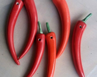 red chili peppers decor / peperoncini rossi da appendere / regalo per i colleghi / peperoncino portafortuna / lucky charm chili pepper /