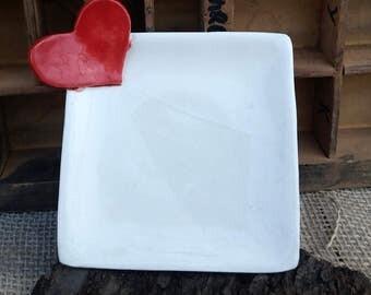 Piattino decorato fatto a mano / decorazione cuore rosso / love decoration / regalo per lei / porta gioielli / regalo per sposi / bomboniera