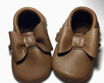 Brown Baby Moccasins/ Leather Moccasins/ Baby Shoes Girl/ Toddler Moccasins/ Kids Moccasins/ Newborn Moccasins/ Baby Gift/ Baby Moccs