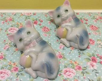 Kitschy Vintage Pastel Kitty Wall Figurines