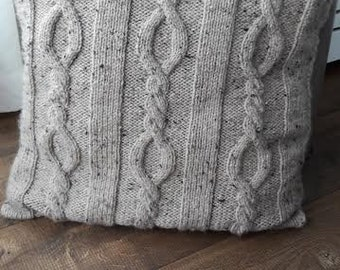 Knitted cushion Beige 4