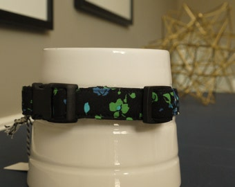 Black floral collar