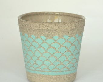 Grey planter with sgraffito in turquoise