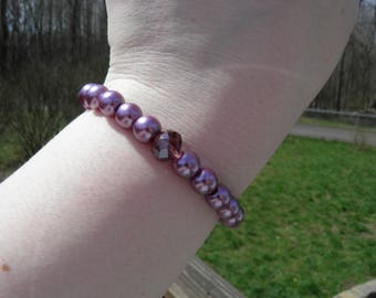 Simple purple glass pearl and focal purple glass bead stretch bracelet/sparkly/feminine/boho chic/purple/classic/chic style