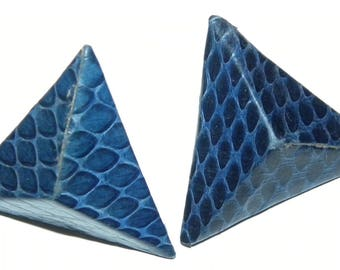 1980s 80s  New Wave  SNAKESKIN Earrings / pyramid / 3D triangles / Blue Snakeskin / Avant Gardé / Vintage measure 1.25' x 1.25""