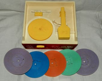 Vintage 1971 Fisher Price Record Player #995 with 5 Records Kids Pretend Play Music Toy