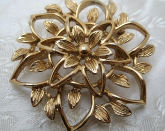 VINTAGE 1970s Goldtone Sarah Cov Coventry FLOWER Brooch