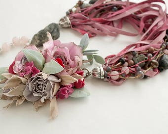 Handmade necklace Roses and mint